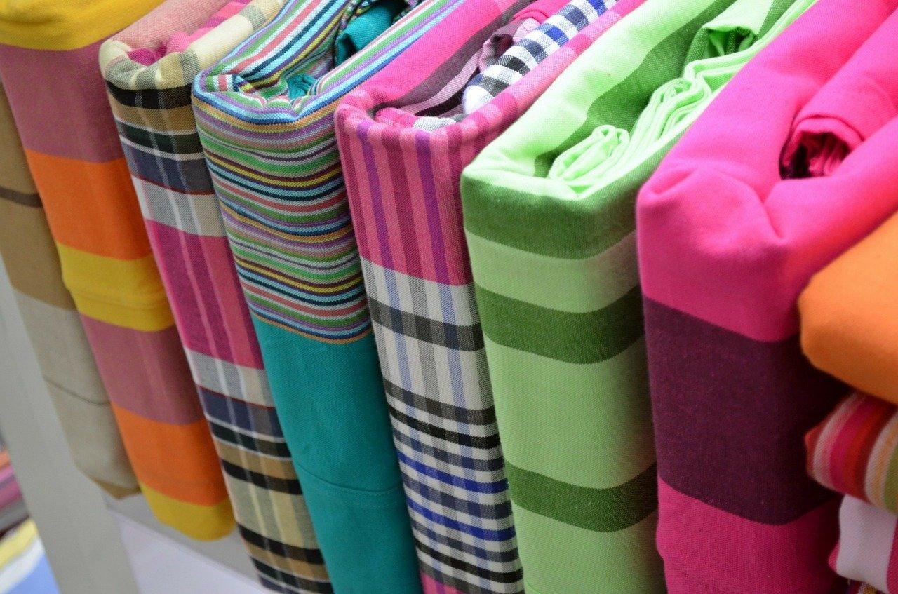 3 teilige Bettwäsche in verschiedenen Farben