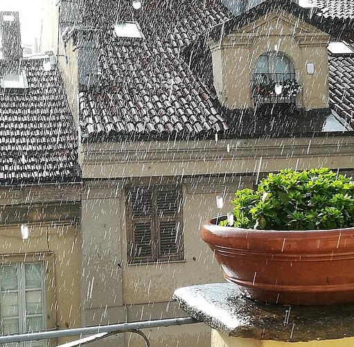 regenschutz-sichtschutz-balkon